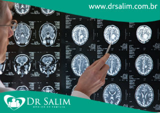 O que é esclerose múltipla?