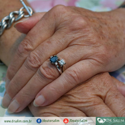 Quais são as características do envelhecimento?