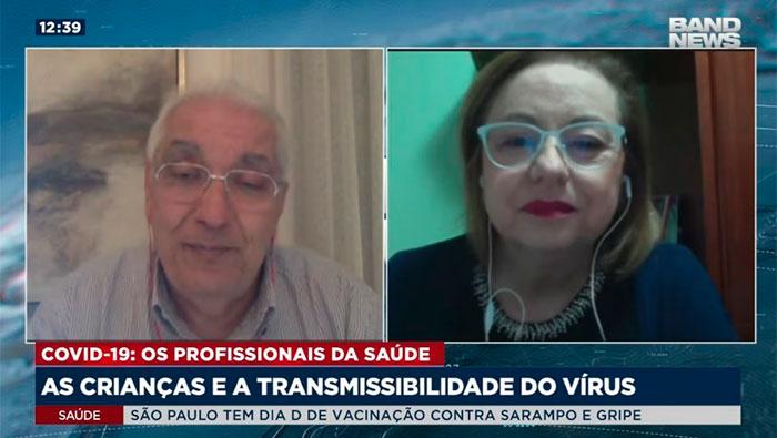 A imagem mostra o Dr. Salim e a Lucília Faria.